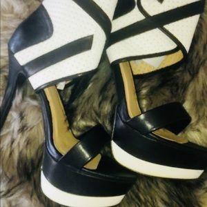 Black And White Bandage Heels .